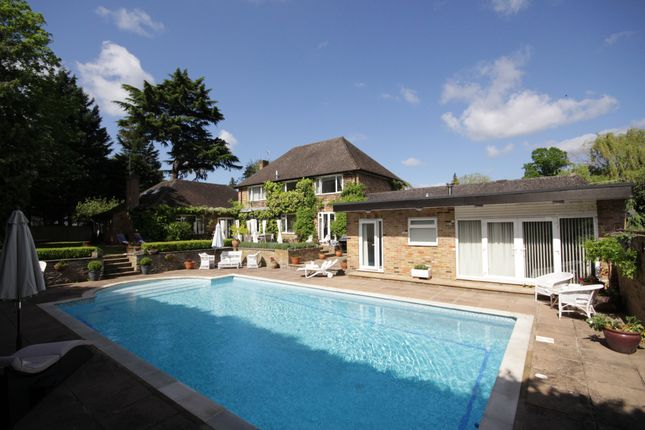 Thumbnail Detached house for sale in Canon Hill Way, Maidenhead