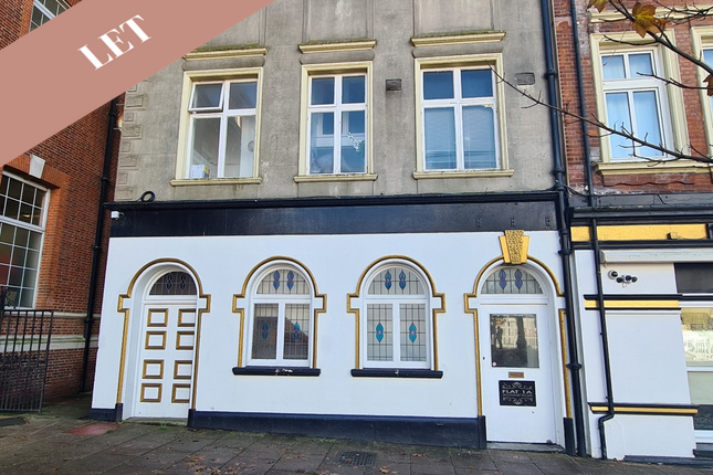 Thumbnail Flat to rent in Devonshire Square, Bexhill On Sea