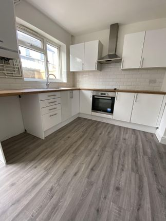 3 bed terraced house to rent in High Street, Mountain Ash CF45