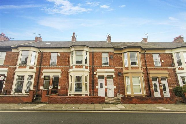 2 bed flat to rent in Trevor Terrace, North Shields