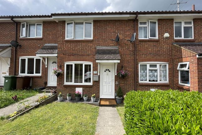 2 bed property for sale in Dunnock Close, Borehamwood WD6