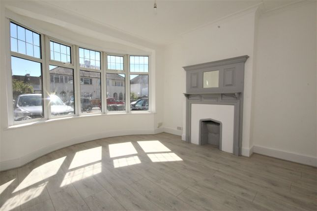 3 bed property to rent in Rolls Park Avenue, London E4