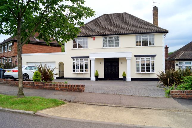 Thumbnail Detached house to rent in Newmansway, Hadley Wood
