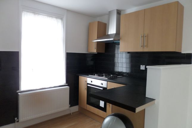 2 bed duplex to rent in Ratcliff Road, Forest Gate