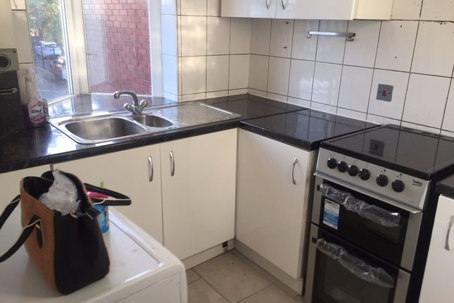 Thumbnail Flat to rent in Beehive Lane, Ilford