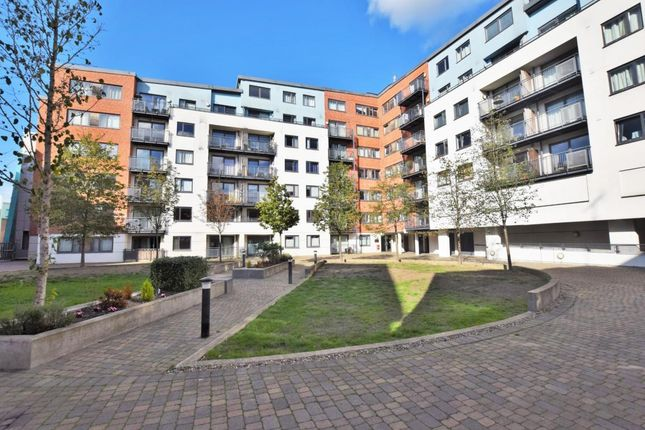Thumbnail Flat for sale in The Courtyard, Camberley