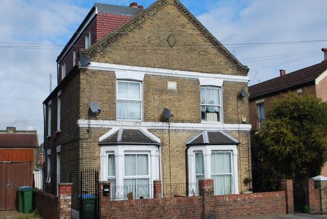Thumbnail Flat to rent in Abbey Wood Road, Abbey Wood, London