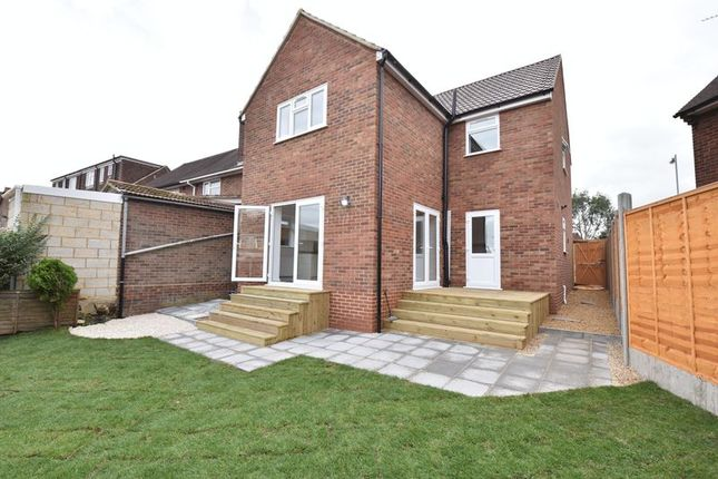 Thumbnail Detached house for sale in Abbey Drive, Luton