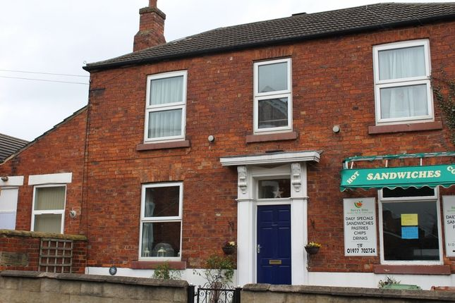 Thumbnail Flat to rent in Newgate, Pontefract