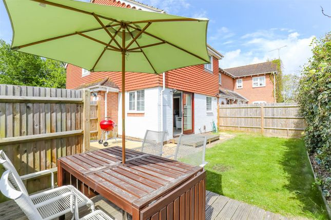 Thumbnail Terraced house for sale in Magnolia Close, Worthing