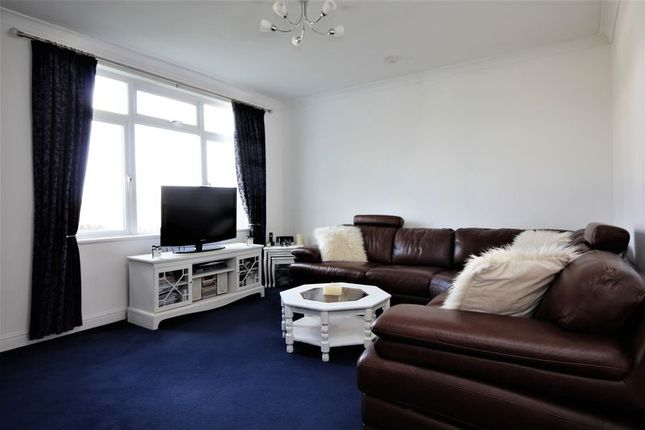 Lounge of Kimbolton Green, Borehamwood WD6