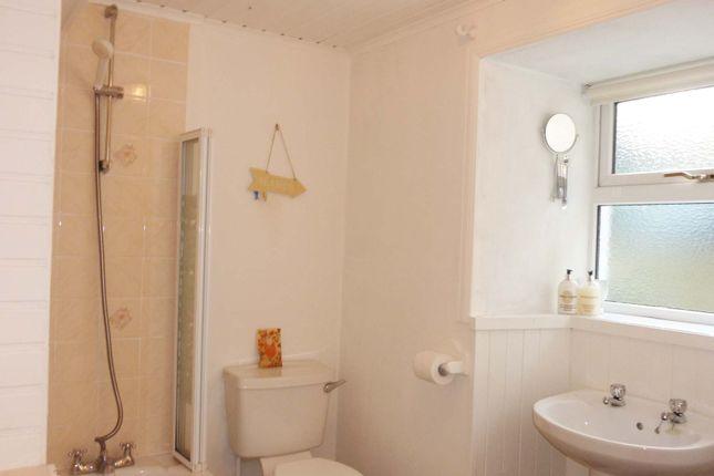 Bathroom of 45 John Street, Stromness KW16
