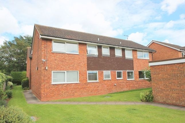 Thumbnail Flat for sale in Victoria Road, Bidford-On-Avon, Alcester