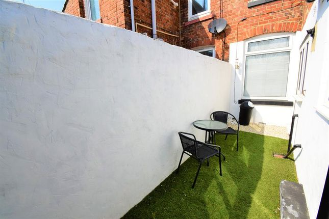Courtyard Cont: of Thornton Street, Middlesbrough TS3