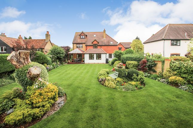 4 bed detached house for sale in The Willows, Edlesborough, Dunstable LU6