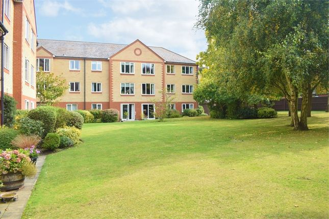 1 bed flat for sale in Exeter Drive, Colchester, Essex