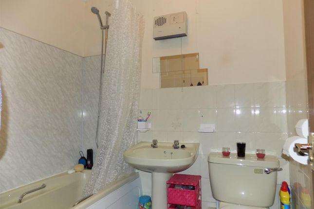 Bathroom of Beeching Close, Halwill Junction, Beaworthy EX21