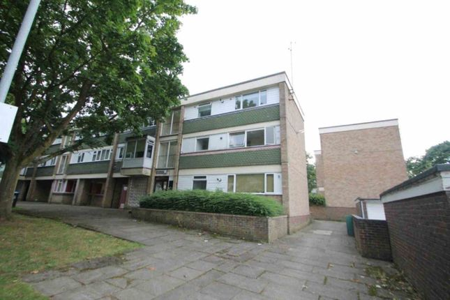 Thumbnail Flat to rent in Livingstone Walk, Hemel Hempstead
