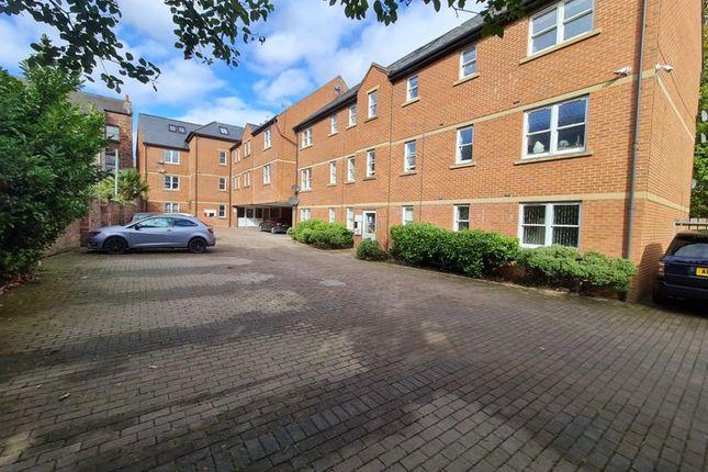 2 bed flat to rent in Lark Lane, Aigburth, Liverpool L17