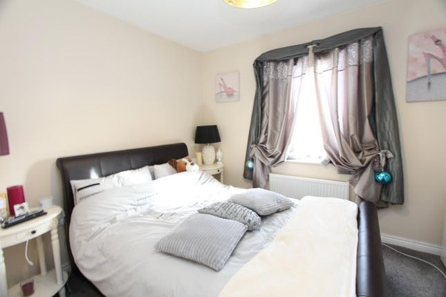 Bedroom One of Kirkistown Close, Rugby CV21