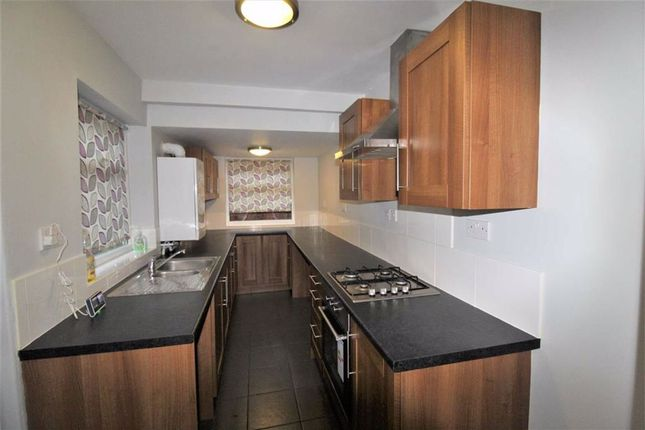 Terraced house to rent in Shaw Road South, Shaw Heath, Stockport