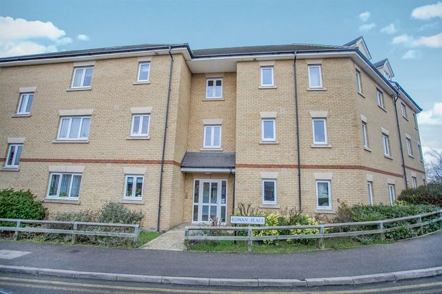 Thumbnail Flat for sale in Rowan Place, Colchester