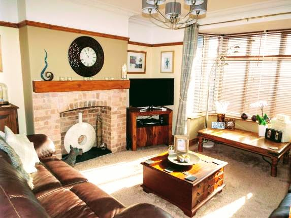 Thumbnail Semi-detached house to rent in Farley Hill, Guildford