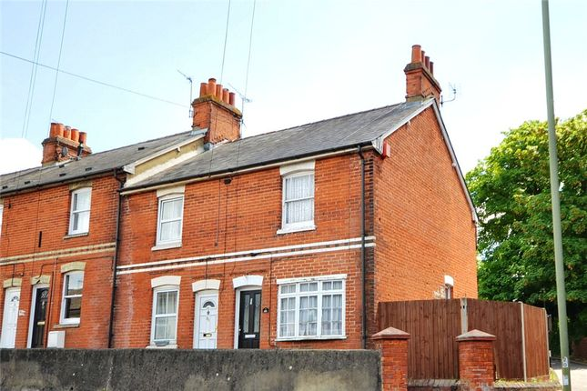 2 bed end terrace house for sale in Winchester Road, Basingstoke, Hampshire