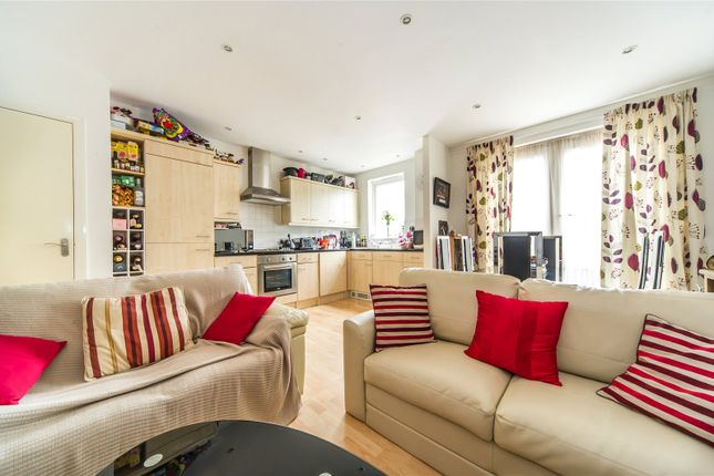 Thumbnail Flat for sale in Hildenbrook House, The Slade, Tonbridge, Kent
