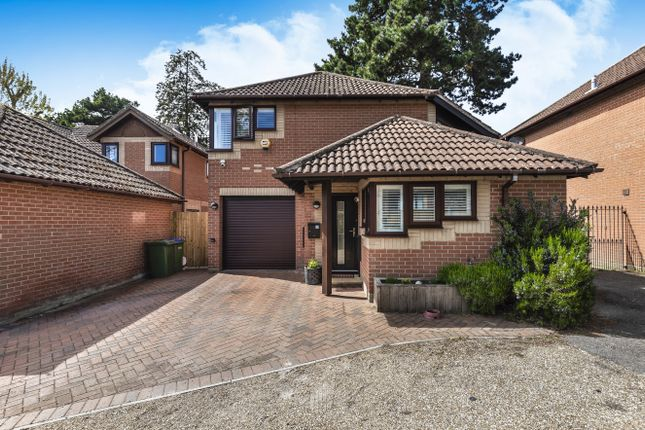 4 bed detached house for sale in Crispin Close, Locks Heath, Southampton SO31