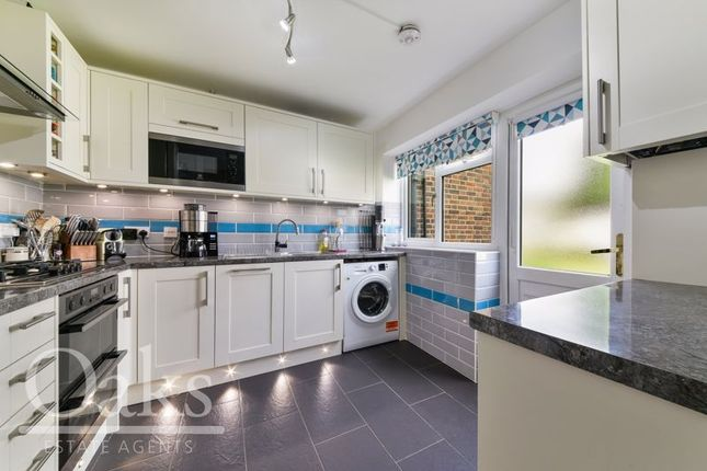 Maisonette for sale in South Norwood Hill, London