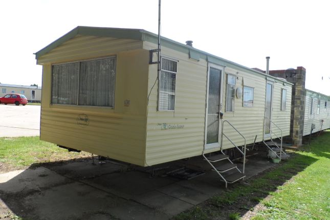 1 Bed Mobile Park Home For Sale In London Road Clacton On Sea