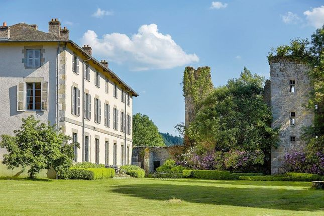 Thumbnail Château for sale in Bourganeuf, Charente (Cognac/Angouleme), Nouvelle-Aquitaine