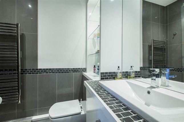 Bathroom of Eccleston Square, London SW1V
