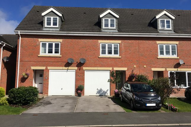 Thumbnail Town house for sale in Ecklands, Millhouse Green, Sheffield