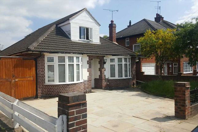 Thumbnail Bungalow to rent in Romway Avenue, Leicester