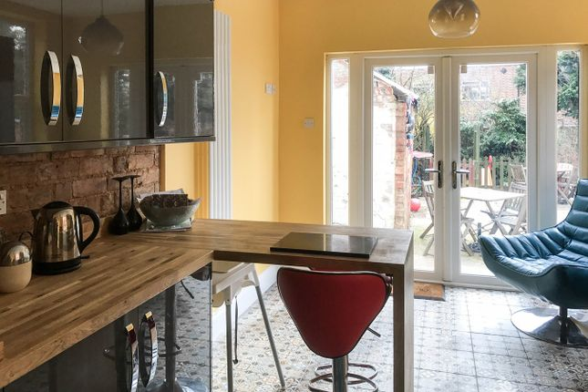 Thumbnail Terraced house for sale in Barkby Road, Syston, Leicester