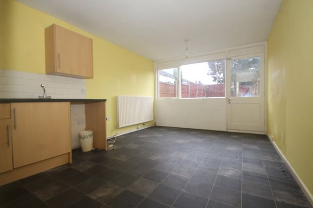 Thumbnail Town house to rent in Handforth Lane, Halton Lodge, Runcorn