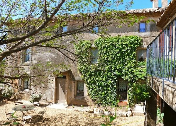8 bed property for sale in Gargas, Vaucluse, France