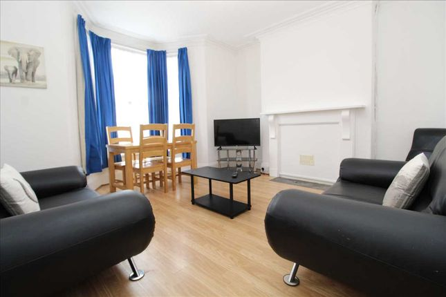 Main Picture of Maida Vale Terrace, Mutley, Plymouth PL4