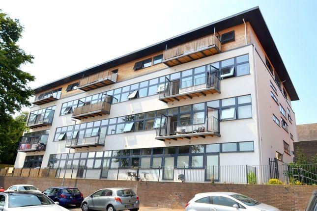 Thumbnail Flat to rent in Queen Street, Wellingborough