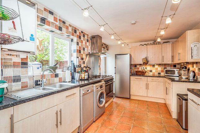 Thumbnail Terraced house for sale in Middleknights Hill, Gadebridge, Hemel Hempstead