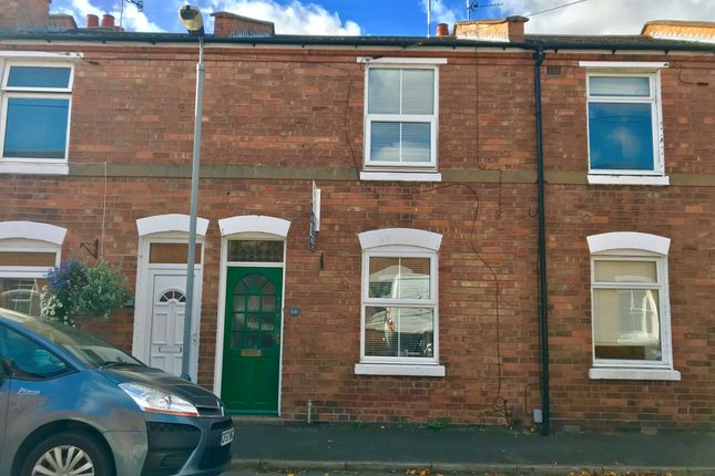 Thumbnail Terraced house for sale in Meadow Road, Warwick