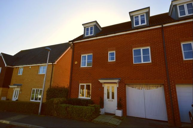 Thumbnail Property for sale in Headstock Rise, Hoo, Rochester
