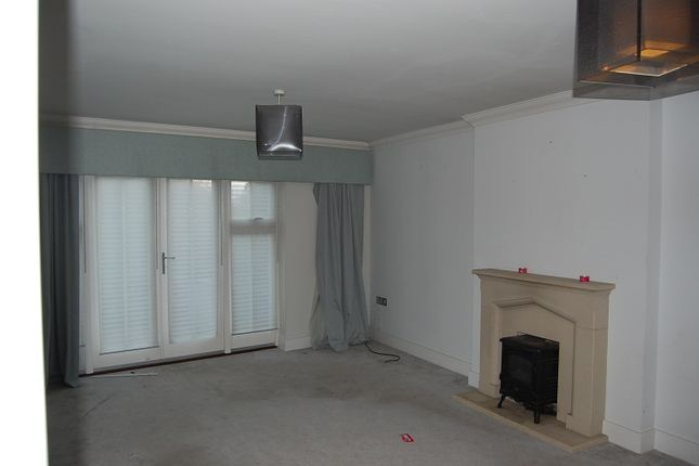 Lounge of St. Pauls Court, Lynsted, Sittingbourne, Kent ME9