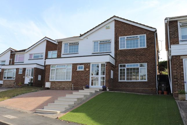 Thumbnail Detached house to rent in Bencombe Road, Marlow