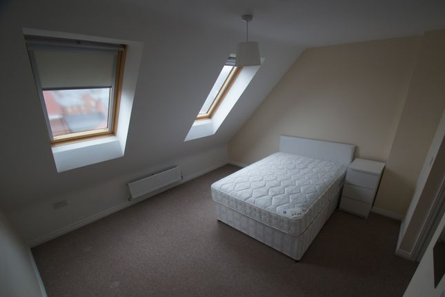 Thumbnail Semi-detached house to rent in Anglian Way, Stoke Village