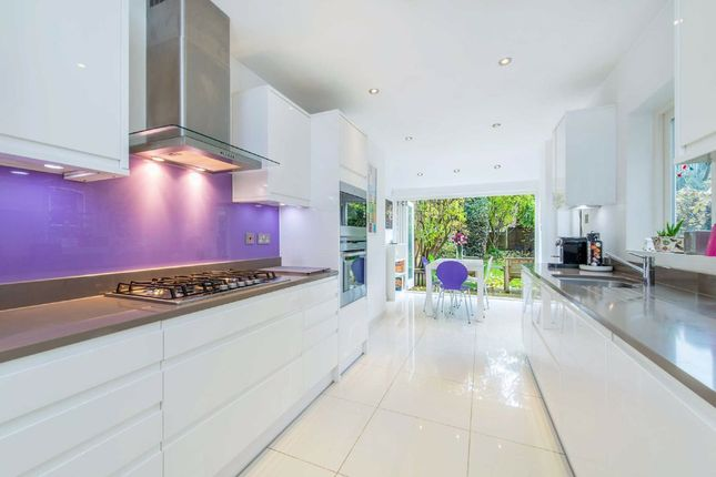 Thumbnail Property to rent in Scholars Road, London
