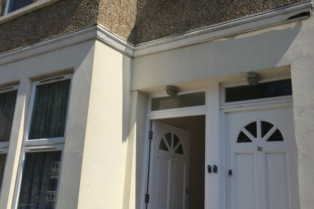 Thumbnail 1 bed flat to rent in Bygrove Road, Colliers Wood