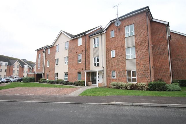 Thumbnail Flat for sale in Harrow Close, Addlestone, Surrey